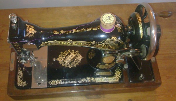 Vintage Art Deco Antique Sewing Singer Hand Crank Machine 40K VS New Where Is The Serial Number On A Singer Sewing Machine